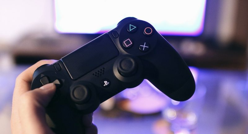 How to Use the PS4 Controller on PC - The Controller People